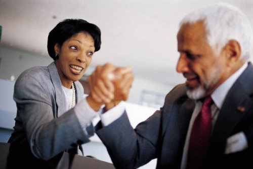 arm-wrestling-business-people